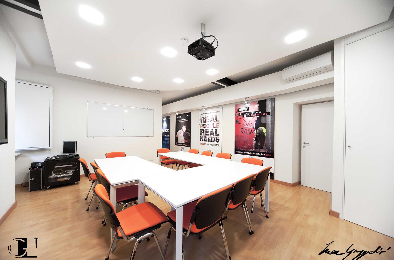 Portfolio giuggiolini luca architettura for Sala riunioni
