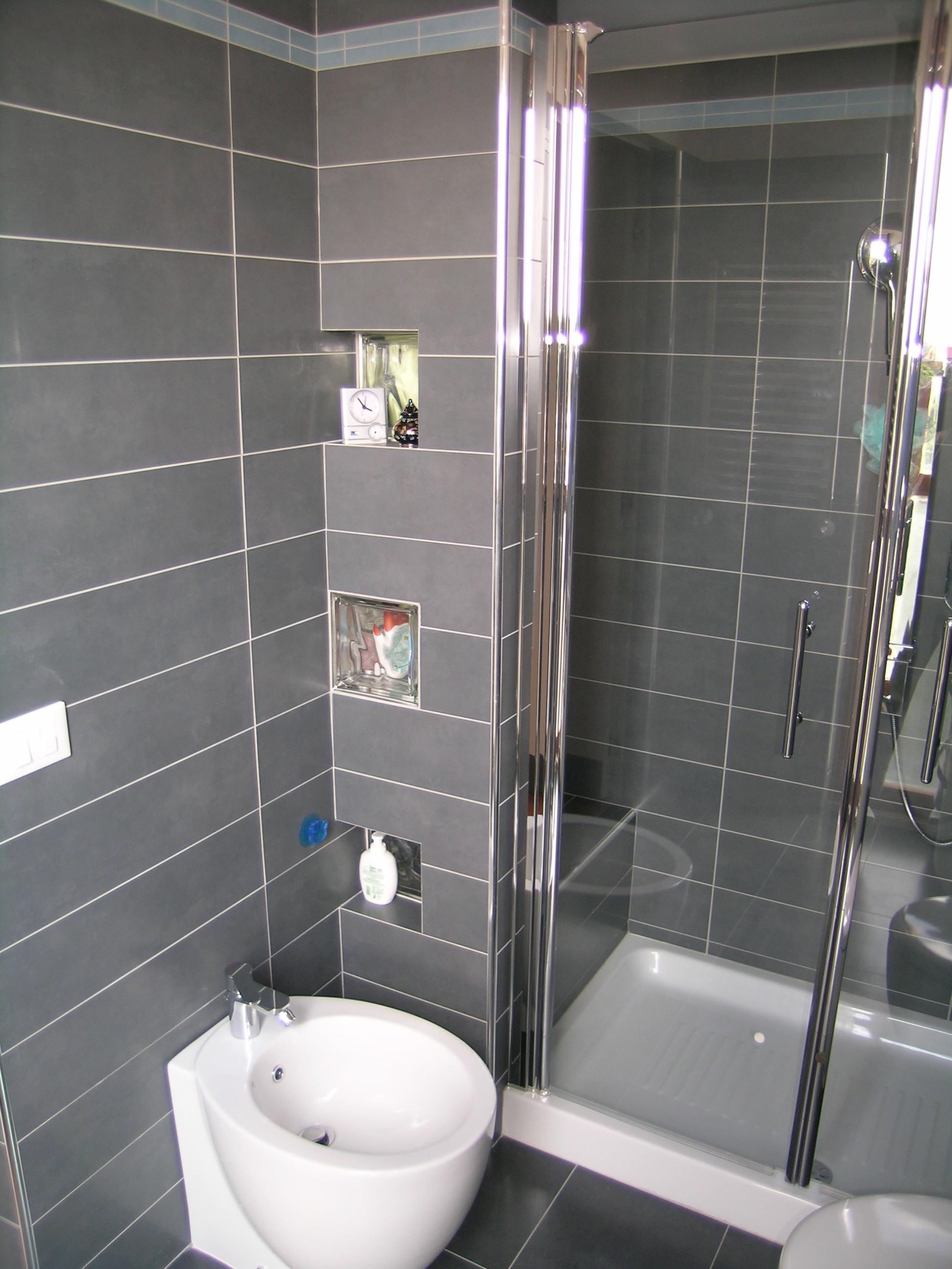 Portfolio giuggiolini luca architettura for Box doccia in muratura foto